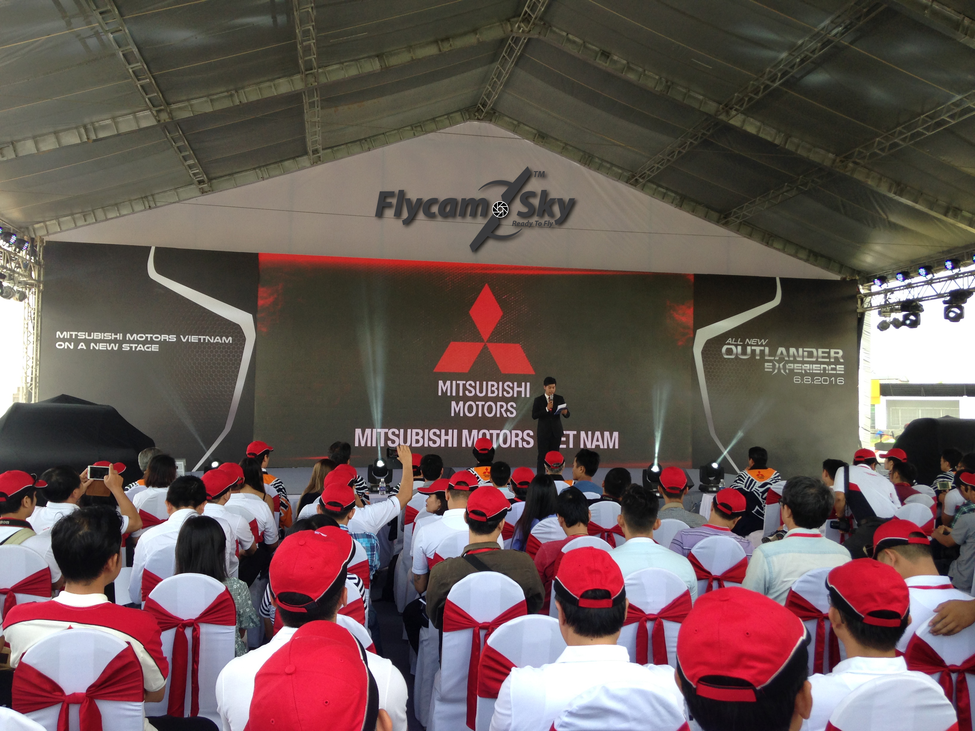 Flycam quay sự kiện Mitshubishi Việt Nam ra mắt ngày 06/08/2016