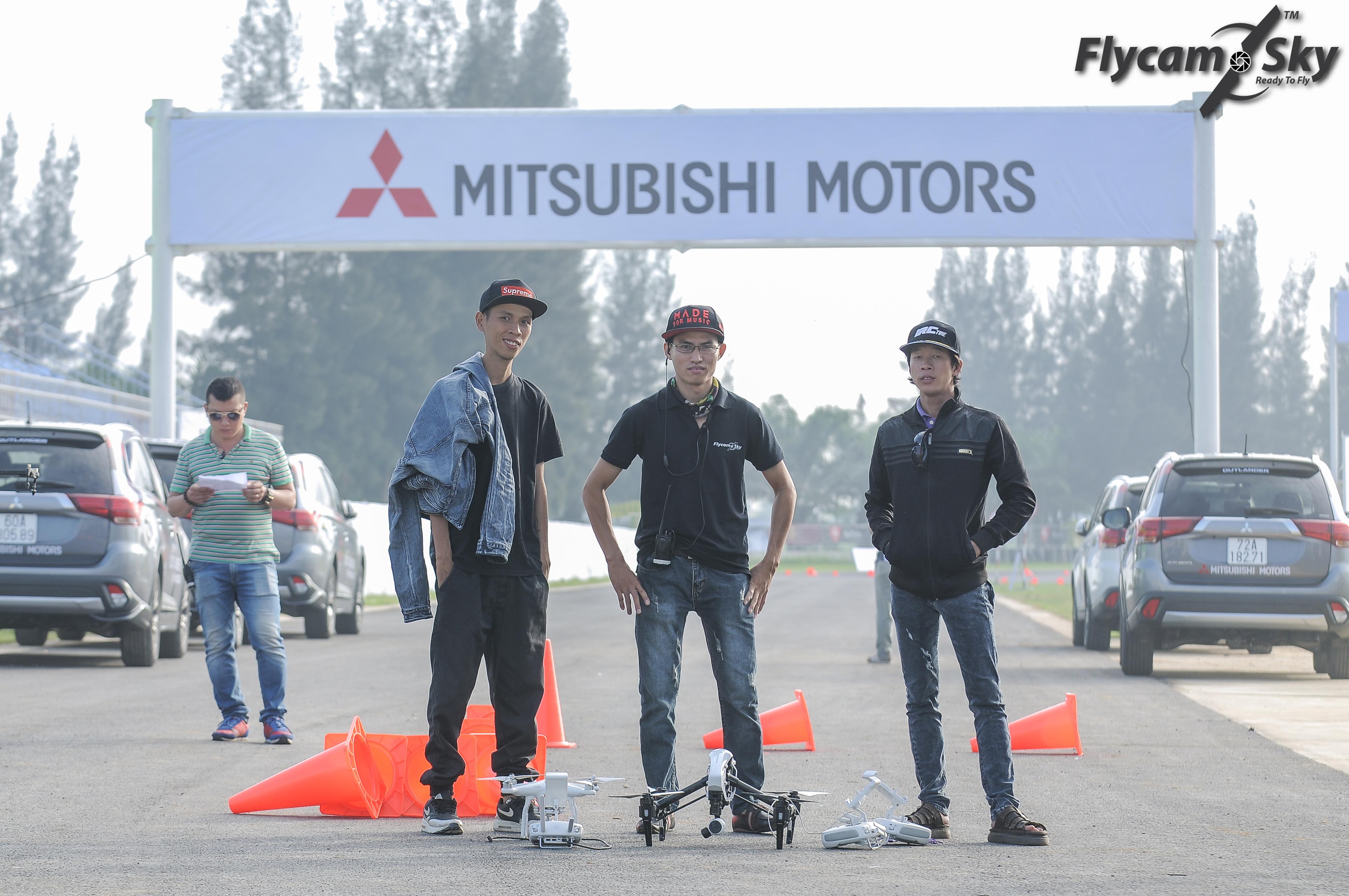 Flycam Sky tác nghiệp tại Sự kiện Mitsubishi Việt Nam ra mắt tại Trường đua Happy Land